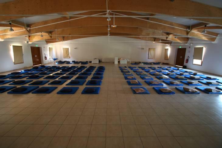 vipassana meditation dhamma mahi the centre. Black Bedroom Furniture Sets. Home Design Ideas