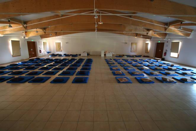 vipassana meditation le centre. Black Bedroom Furniture Sets. Home Design Ideas